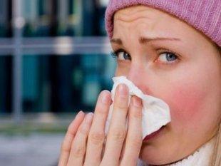 raffreddore influenza rinite donna