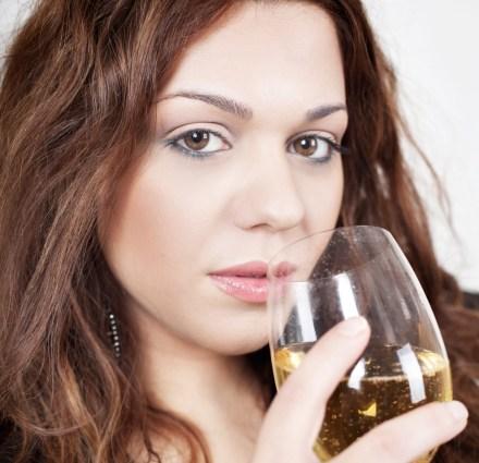 donna vino gastrite