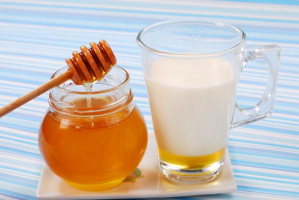 latte-e-miele-contro-la-tosse
