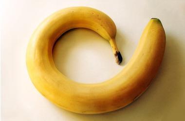 banane contro ictus, ipertensione, acidità, anemia, stipsi, calo della libido, depressione, stress