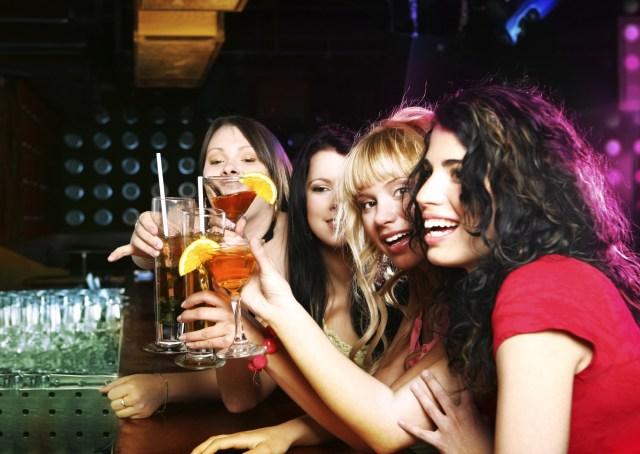 Rinunci al cibo per poter bere più alcolici forse soffri di drunkoressia