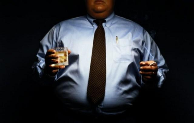 Dott. Loiacono Emilio Alessio Medico Chirurgo Medicina Chirurgia Estetica Plastica Cavitazione Dieta Peso Dietologo Nutrizionista Roma Cellulite Sessuologia Ecografie DermatologiaSmettere fumare Obesità Fumo