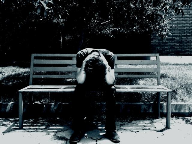 MEDICINA ONLINE DEPRESSIONE TRISTE UMORE SUICIDIO ADOLESCENTE SCUOLA BULLISMO OMOSESSUALITA SOLITUDINE MORTE LUTTO AIUTO VOGLIO SUICIDARMI