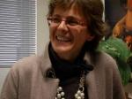 Elena Cattaneo, dopo la laurea in farmacia e il dottorato in biotecnologie a Milano, si trasferisce per alcuni anni a Boston, dove si specializza presso il prestigioso Massachusetts Institute of Technology. Risultano a suo nome oltre 260 pubblicazioni scientifiche su riviste specializzate.