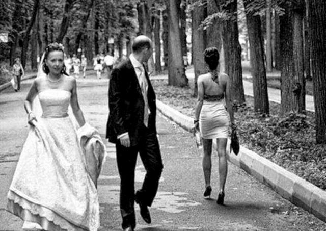 Cercando un uomo sposato in una giovane donna