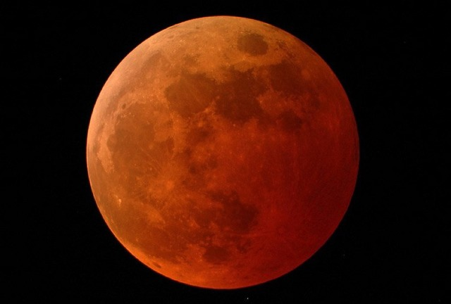 MEDICINA ONLINE STARS MOON ECLIPSE TOTAL ECLISSE TOTALE DI LUNA LUCE STELLA CADENTE LUNA FACCIA VISIBILE LIGHT SIDE MOON APOLLO PIANETA LIGHT SPEED TERRA EARTH SPACE SPAZIO HI RESOLUTION WALLPAPER NASA IMAGE PICTURE PICS.jpg