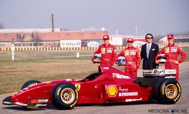 MEDICINA ONLINE 1996 Ferrari F310 piloti_della_Ferrari_Eddie_Irvine__Nicola_Larini_e_Michael_Schumacher_con_Luca_Cordero_di_Montezemolo WALLPAPER PICS PHOTO HD