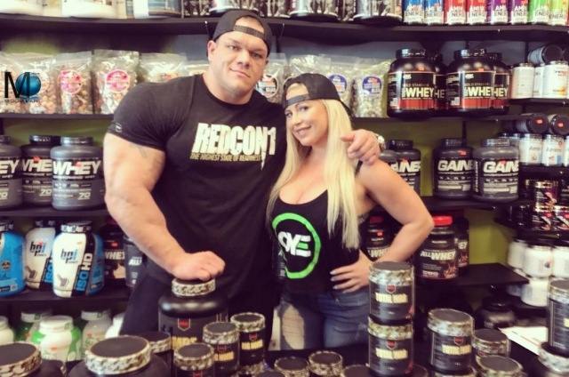 MEDICINA ONLINE dallas McCarver Boyfriend of WWE star Dana Brooke GIRLFRIEND  and pro bodybuilder who died 'choking on food'