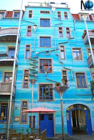 MEDICINA ONLINE Il palazzo di Dresda che suona quando piove Countryard of Elements Germania PIOGGIA