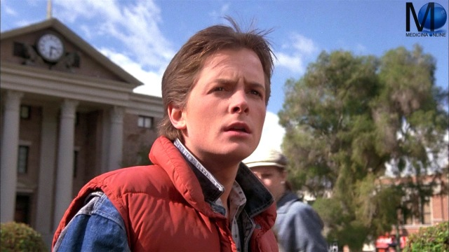 MEDICINA ONLINE RITORNO AL FUTURO 1 Back to the Future 1985 American science-fiction Robert Zemeckis Bob Gale Michael J. Fox Marty McFly Christopher Lloyd Dr. Emmett Doc Brown FILM CINE