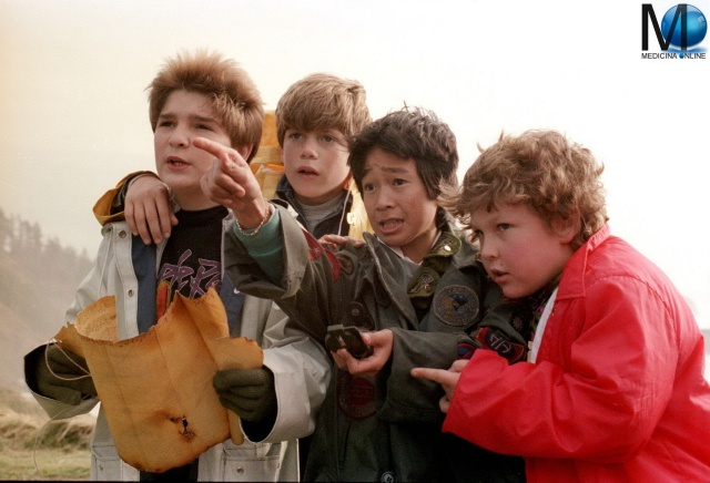 MEDICINA ONLINE The Goonies  1985 Richard Donner Harvey Bernhard Chris Columbus Steven Spielberg FILM WALLPAPER HD PICS PHOTO IMMAGINE SCENA MAPPA RECENSIONE MOVIE CINEMA