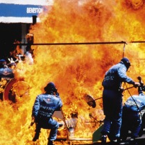 MEDICINA ONLINE formula 1 AUTO PRENDE FUOTO GRAN PREMIO GERMANIA German GP Hockenheim 1994 F1 Pit Stop Fire Accident Jos Verstappen Benetton catches fire 06