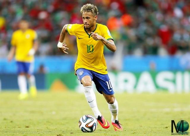 MEDICINA ONLINE Neymar da Silva Santos Jùnior nasce il 5 febbraio del 1992 a Mogi das Cruzes, nello stato di San Paolo, in Brasile CALCIO CALCIATORE SFONDO WALLPAPER HD PICTURE PHOTO SOCCER FOOTBALL PLAYER