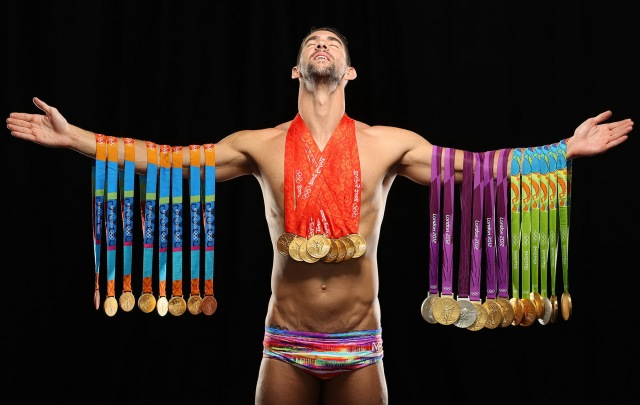 MEDICINA ONLINE NUOTO OLIMPIADI FOTO MEDAGLIE MEDAGLIERE ORO NUOTA Michael Fred Phelps II (born June 30, 1985) is an American former competitive swimmer the most decorated Olympian of all time, with a total of 28 medals.