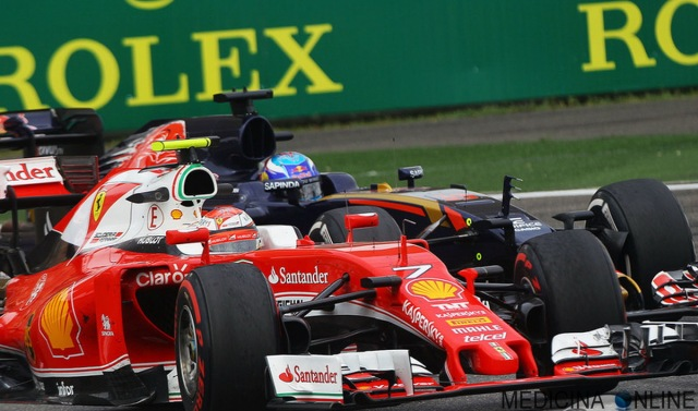 MEDICINA ONLINE F1 FORMULA 1 GRAN PREMIO USA 2017 Kimi Raikkonen Ferrari Max Verstappen Scuderia Red Bull 5 seconds penalty third place.jpg