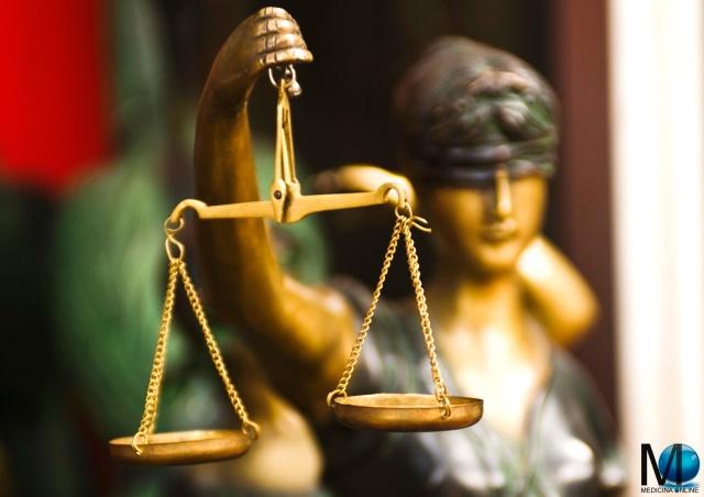 MEDICINA ONLINE GIUSTIZIA LEGGE CODICE PENALE CIVILE AVVOCATO LEGISLAZIONE ASSASSINIO MURDER OMICIDIO REATO VOLONTARIO PREMEDITATO COLPOSO DOLOSO GIUDICE GIURISPRUDENZA LEGALE