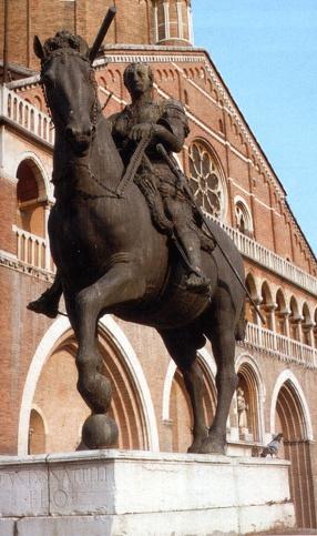 Monumento equestre al Gattamelata, realizzata da Donatello e situata in piazza del Santo a Padova..jpg