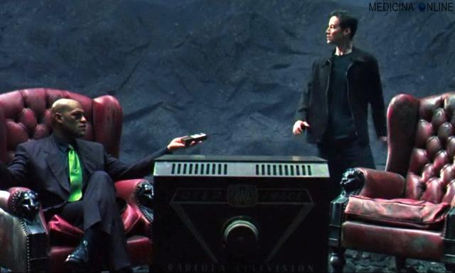 MEDICINA ONLINE MATRIX NEO MORPHEUS PILLOLA BLU ROSSA MACCHINE FILM CINEMA WALLPAPER TELEVISORE TRAMA SPEGAZIONE ROBOT FANTASCIENZA