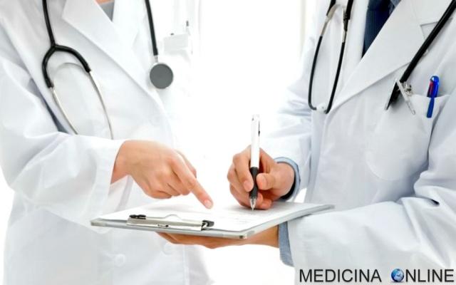 MEDICINA ONLINE DIAGNOSI DIFFERENZIALE ESEMPIO DISPNEA MEDICO PAZIENTE ANAMNESI VISITA ESAME OBIETTIVO IDIOPATICO SINTOMI DOLORE STUDIO OSPEDALE AMBULATORIO CONSIGLIO AIUTO DOTTORE INFERMIERE PRESCRIZIONE FARMACO