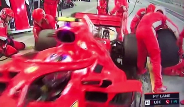 MEDICINA ONLINE VIDEO Formula 1 GP Bahrain 2018 incidente al pit stop di Kimi Räikkönen 8 aprile 2018.jpg