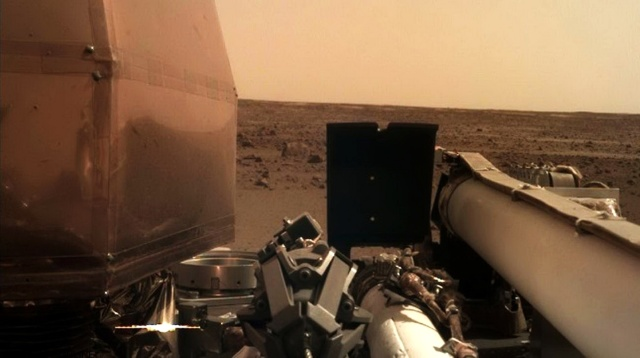 MEDICINA ONLINE Landing And First Image - LIVE NASA InSight Mars Lander SELFIE FOTO SCATTO IMAGE HD Reentry And Landing Coverage SONDA PRIMA IMMAGINE PIANETA MARTE LIVE SUOLO MARZIANO DIRETTA HD WALLPAPER.jpg