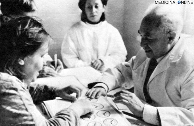 MEDICINA ONLINE MEMORIA The Soviet neuropsychogist Alexander Romanovich Luria NEUROPSICOLOGO author of The Mind of a Mnemonist (1968) CERVELLO ufficiale russo Zasetskij amnesia proiettile cervello storia.jpg