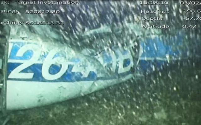 MEDICINA ONLINE Trovato un corpo tra i resti dell'aereo precipitato, forse è di Emiliano Sala