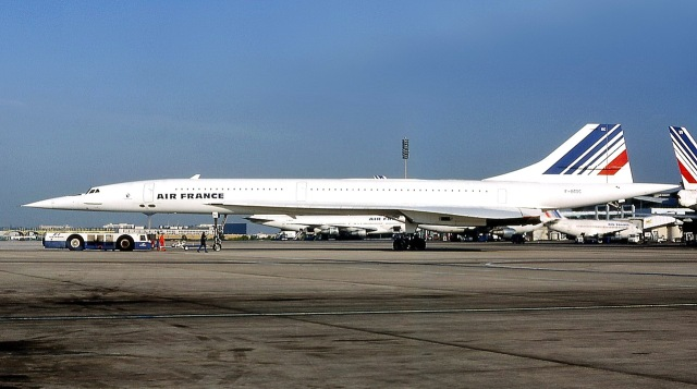 MEDICINA ONLINE VOLO AEREO AEROPLANO INCIDENTE DISASTRO 25 luglio del 2000 volo Air France 4590 Concorde F-BTSC precipitò dopo il decollo.jpg