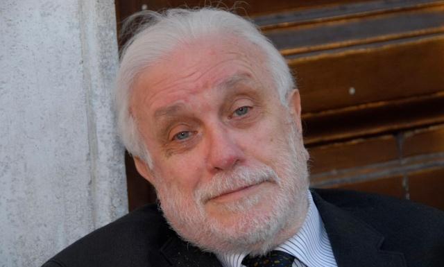 MEDICINA ONLINE A 90 anni è morto Luciano De Crescenzo, ingegnere filosofo e artista poliedrico.jpg