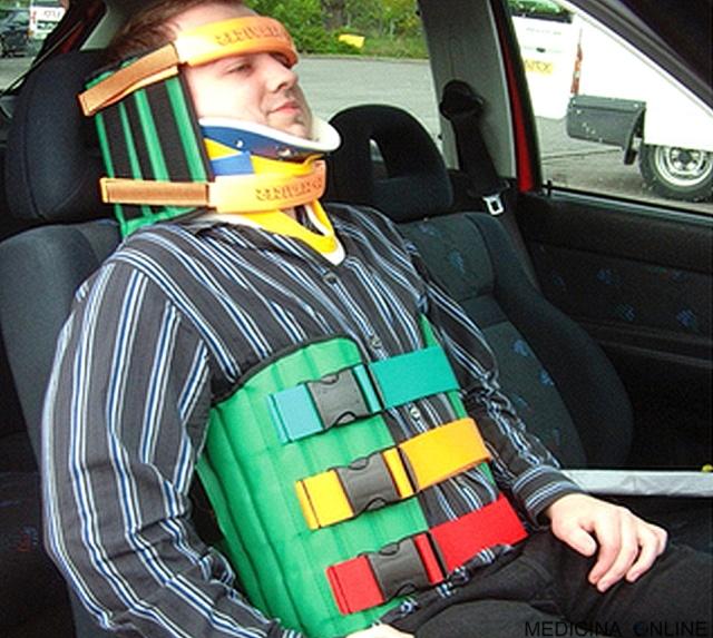 MEDICIN ONLINE dispositivo di estricazione Kendrick Extrication Device KED incidente stradale medicina urgenza emergenza 112 Pronto Soccorso ambulanza paramedico rianimazione collare collo collarino.jpg