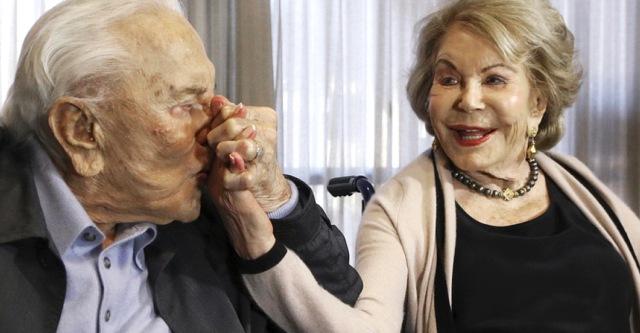 MEDICINA ONLINE Kirk Douglas 103 anni LONGEVITA Anne Buydens 2.jpg