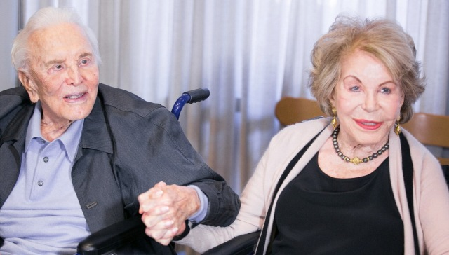 MEDICINA ONLINE Kirk Douglas 103 anni LONGEVITA Anne Buydens.jpg