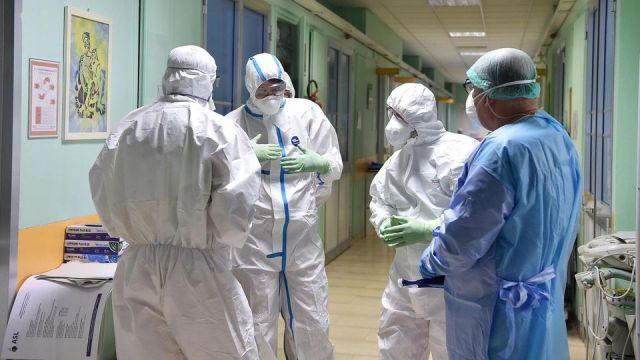 MEDICINA ONLINE COVID19 LABORATORIO SARSCOV2 INFEZIONE PANDEMIA CORONAVIRUS CONTAGI NUMERO.jpg