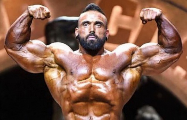 MEDICINA ONLINE LUKE SANDOE MORTO CULTURISTA BODY BUILDER DIED PASSED AWAY (1).jpg