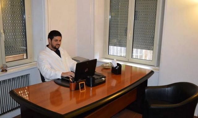 DOTT. EMILIO ALESSIO LOIACONO MEDICO CHIRURGO PSICHIATRIA MEDICINA DELLE DIPENDENZE PSICOTERAPIA COGNITIVO COMPORTAMENTALE PSICOLOGIA CLINICA NEUROLOGIA ROMA SPECIALISTA DIRETTORE MEDICINA ONLINE FOTO PROFILO